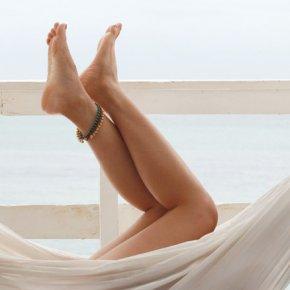 Smooth legs in hammock